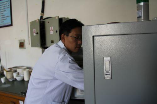 包头稀土研究院博士后工作站工作照片4