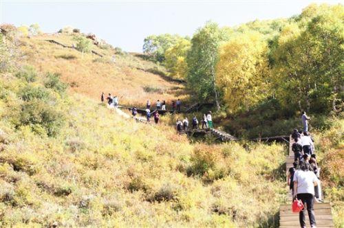 目前,九峰山景区生态旅游建设项目的环评已获得土右旗以及自治区环保