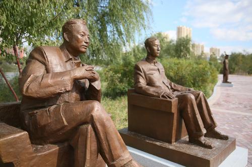 """主题雕塑公园,是讴歌和弘扬""""劳模精神,劳动精神,工匠精神""""的重要平台"""