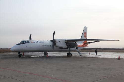 1月4日下午,随着jr1529航班从包头机场起飞,标志着包头至榆林航线首航