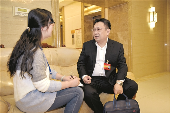 孙华伟代表:高中教育要为孩子的终身发展奠基
