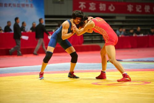 """2018年""""体彩杯""""全国女子自由式摔跤锦标赛在我市举行"""