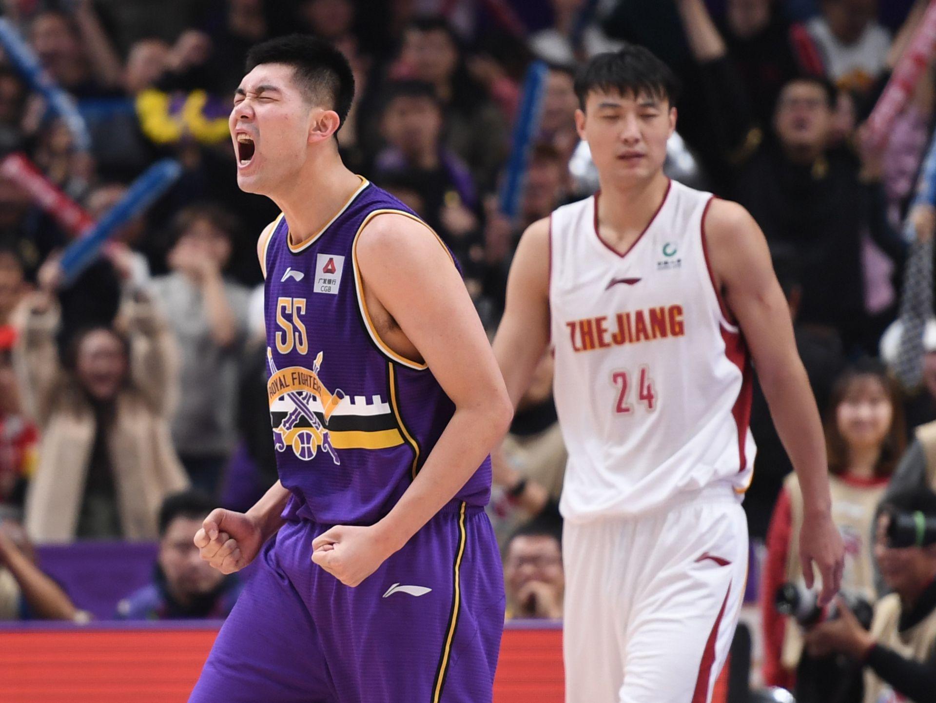 篮球丨CBA常规赛:北京控股胜浙